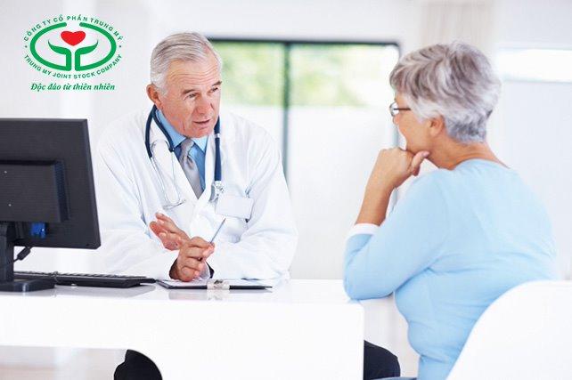 Chỉ sử dụng thuốc nhỏ mắt trị khô mắt khi có đơn kê của bác sĩ